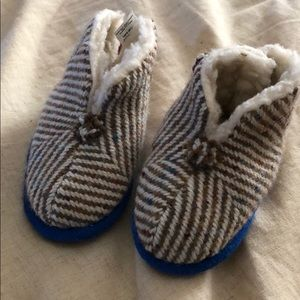 Other - Toddler winter slippers
